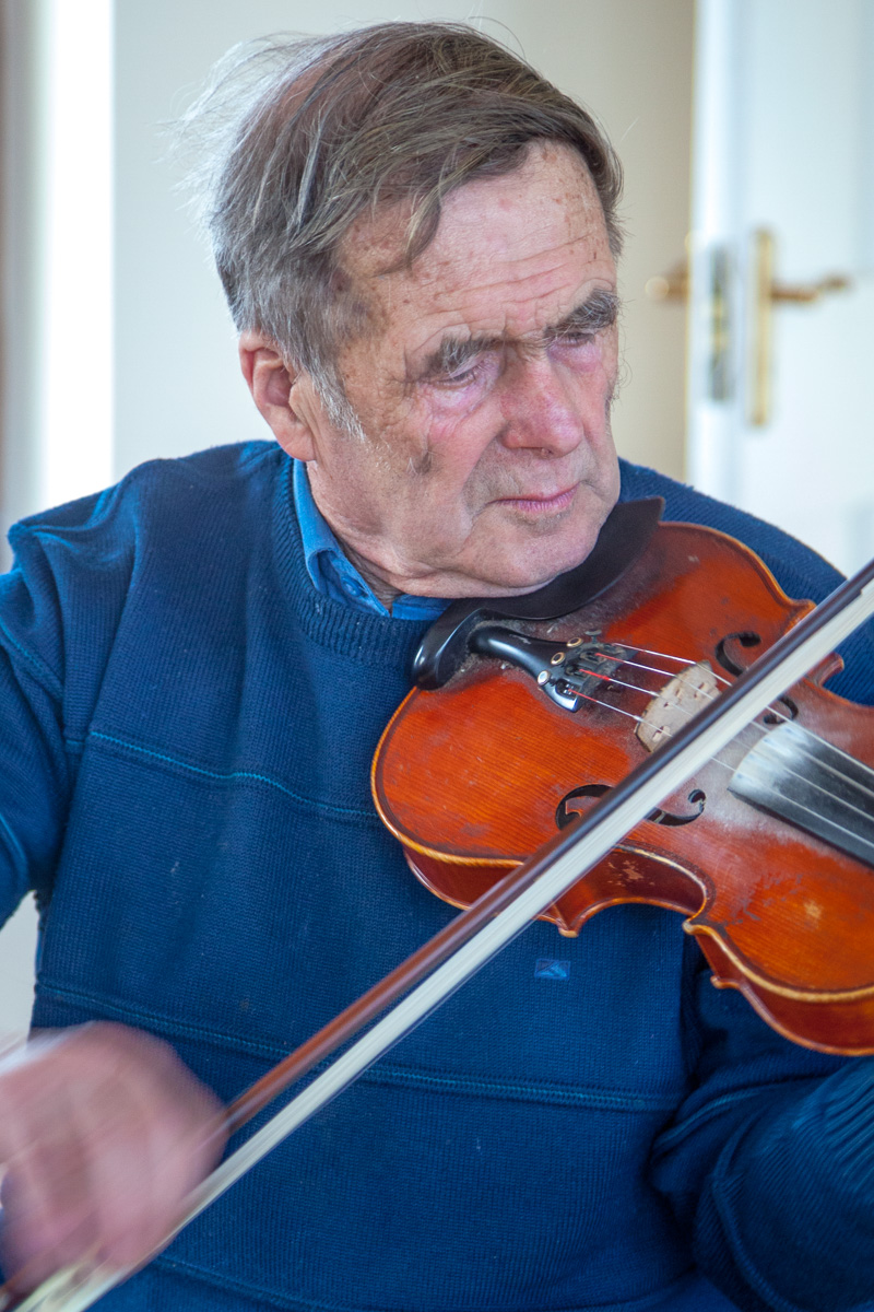 Michael Kelleher, a legend on fiddle - WCF-0015.jpg