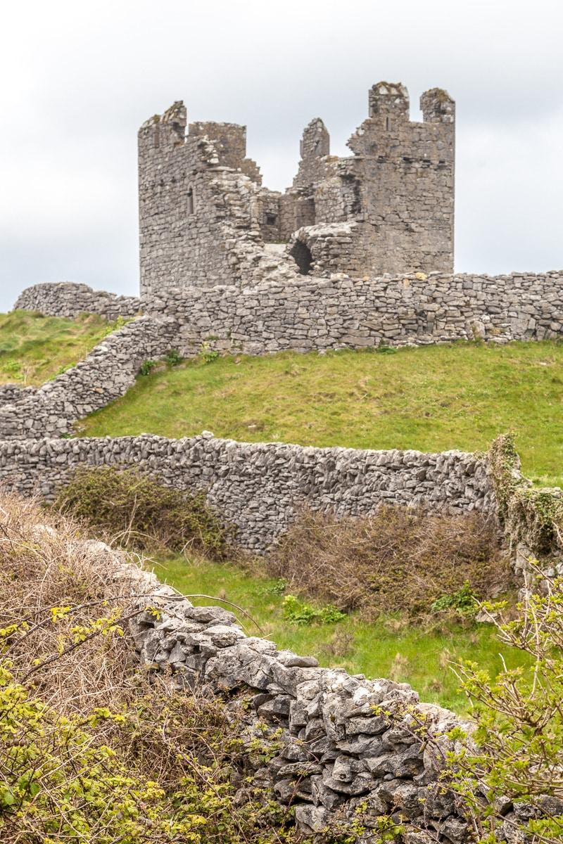 O'Brien's castle on Inisheer - WCF-0103.jpg