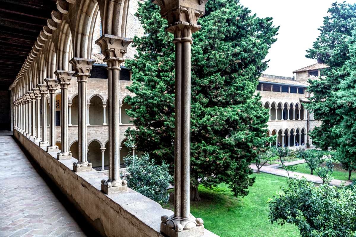 Cloister of Royal Monastery of Pedralbes. 3434