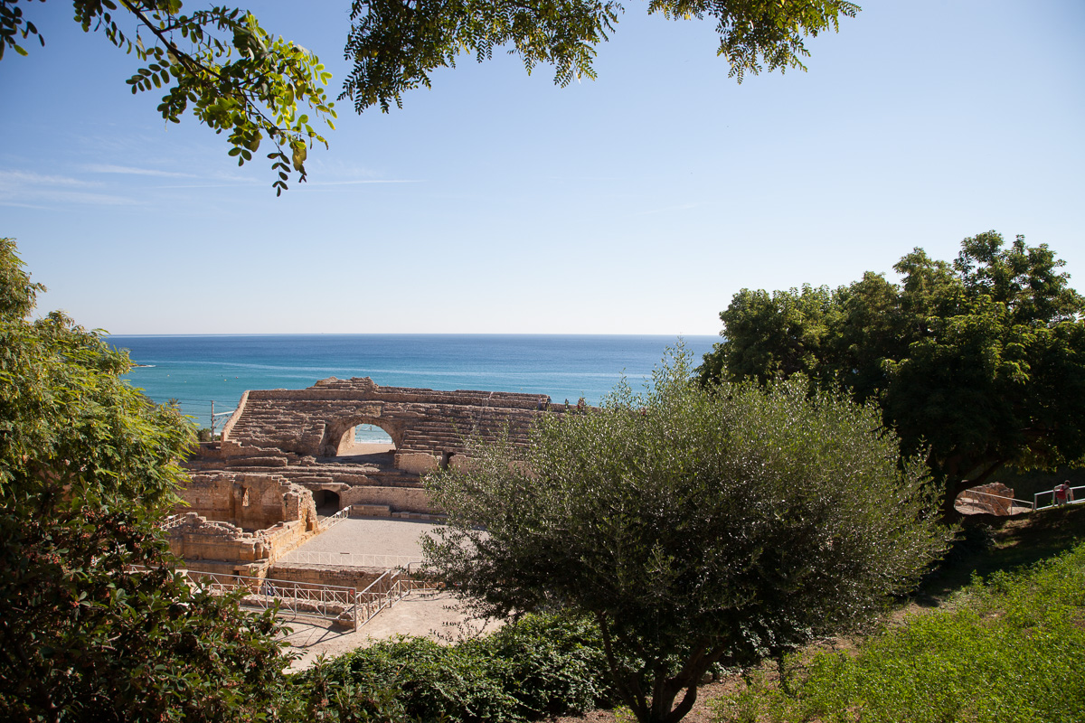 Roman amphitheater on the Med in Tarragona, 3778