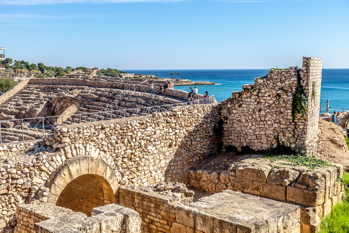 Roman amphitheater on the Med in Tarragona, 3781