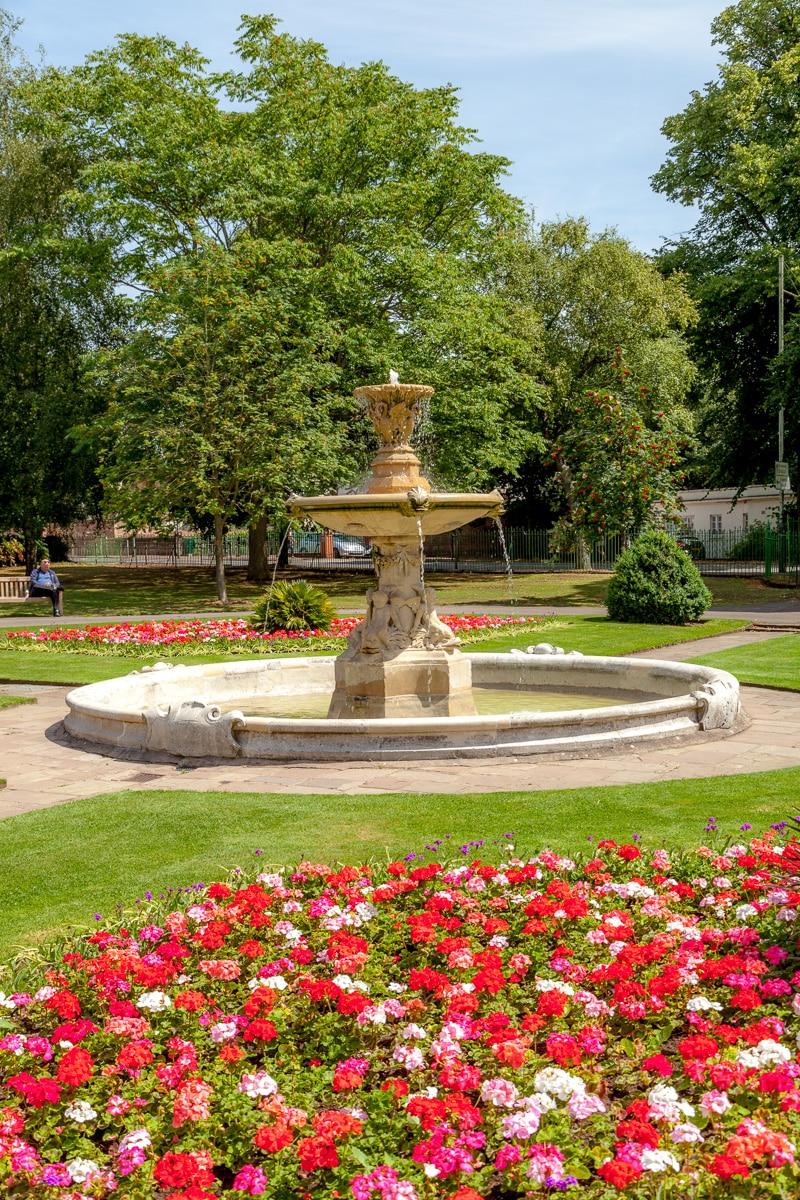 A garden in Cheltenham - WCF-5553.jpg