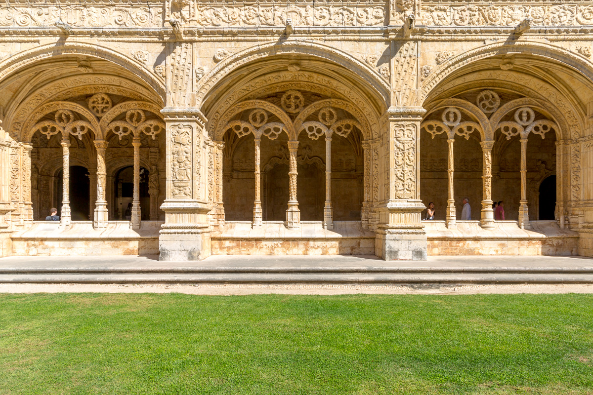 Mosteiro dos Jerónimos is a former monastery of the Order of Saint Jerome near the Tagus river in Belém. - WCF-4976.jpg