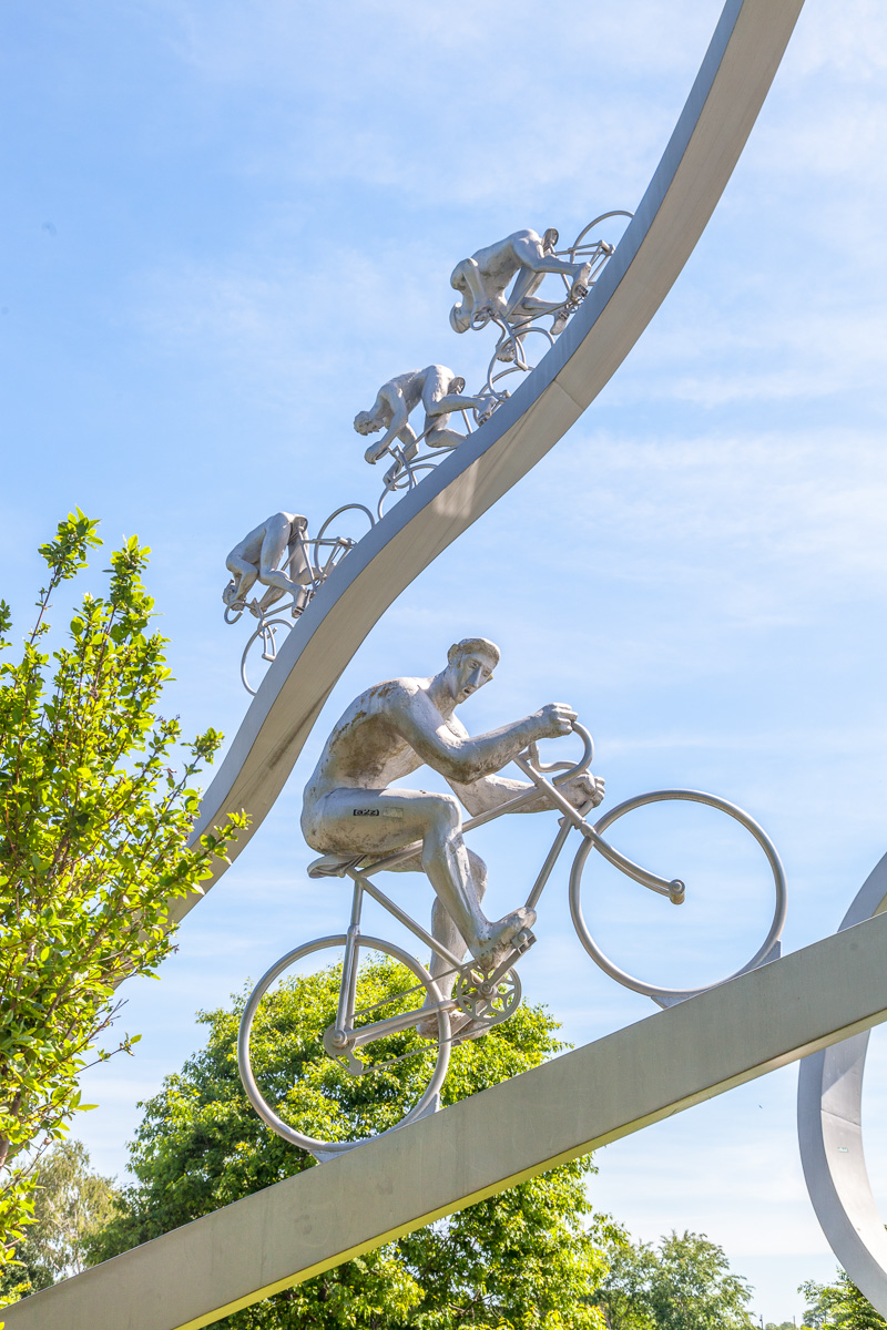 Monumental sculpture dedicated to the Pyrenees stages of the Tour de France - WCF-0609.jpg