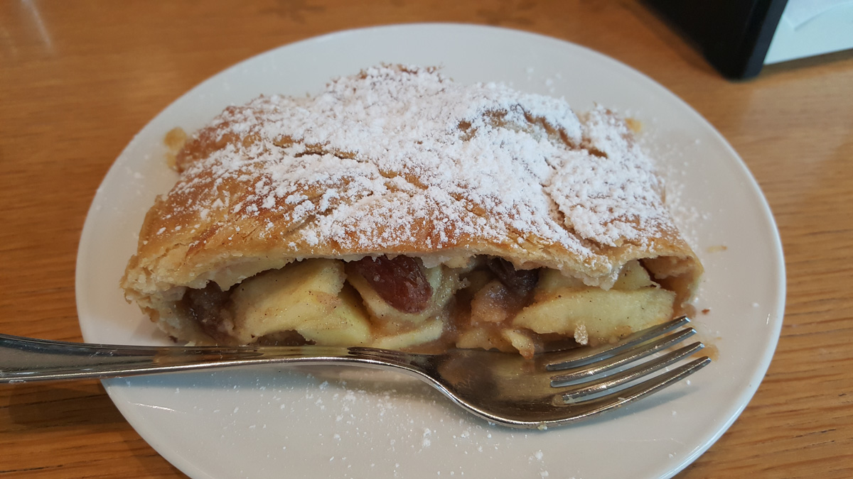 Apple strudel!! - WCF-151445.jpg