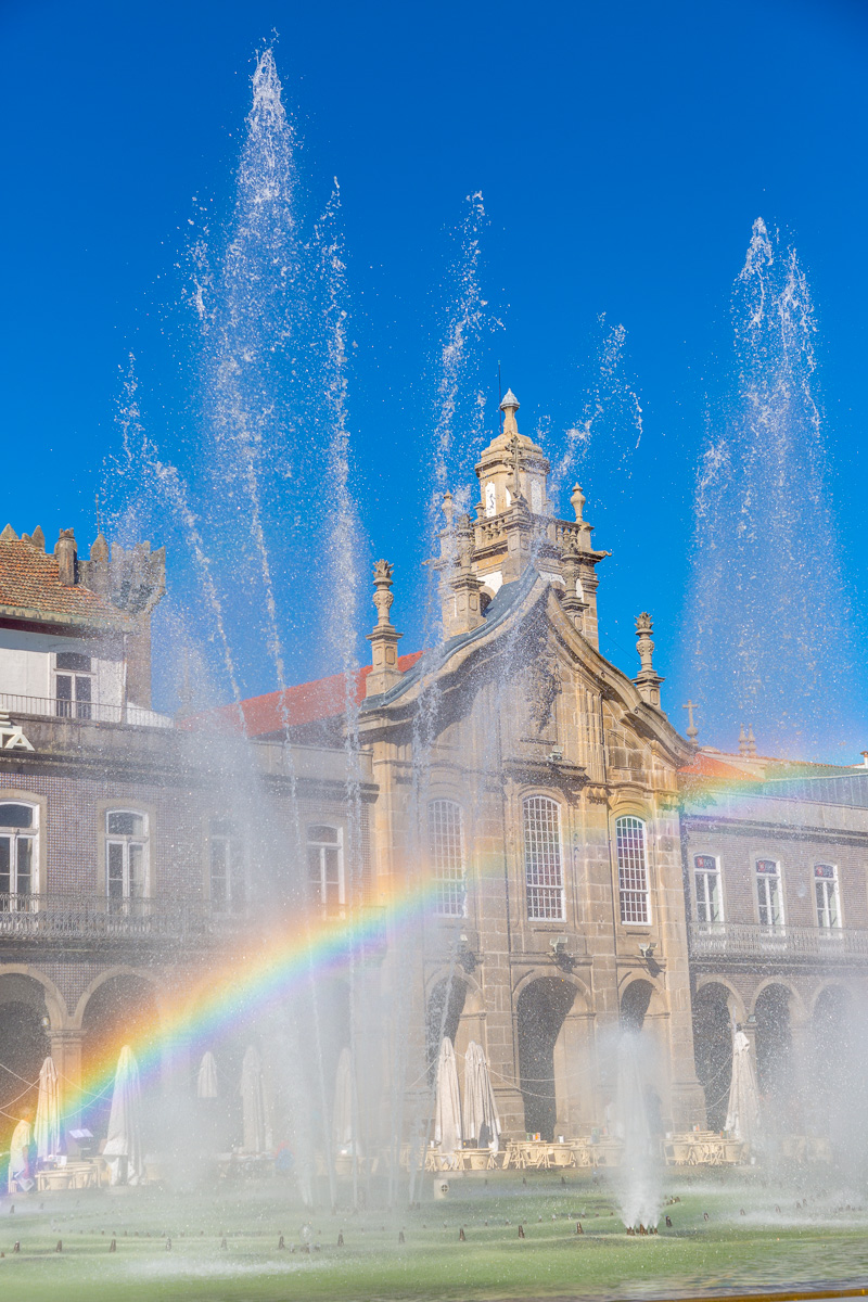 Rainbow in the fountain on the Praça da República, Braga. - WCF-2045.jpg