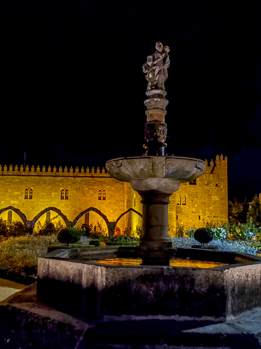 The Garden of Santa Barbara is named for the XVII century fountain topped by a statue of Saint Bárbara that once belonged to the Convent of Remédios. - WCF-215026.jpg