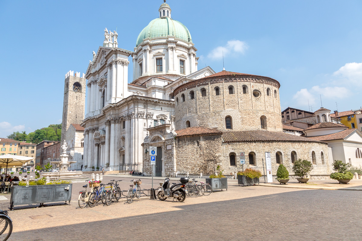 New Cathedral or Cathedral of Santa Maria Assunta and the Old Cathedral, also known as La Rotonda. - WCF-4736.jpg
