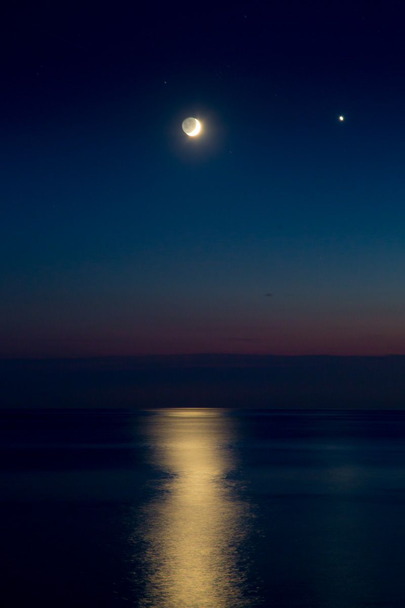Waxing crescent moon and Venus over the Adriatic Sea. - WCF-0800.jpg