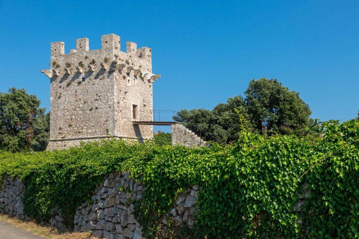 "16th C ""Kula"" or Tower of Olib - WCF-1214.jpg"