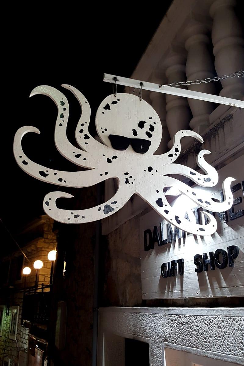 A shop in Primošten. - WCF-220408.jpg