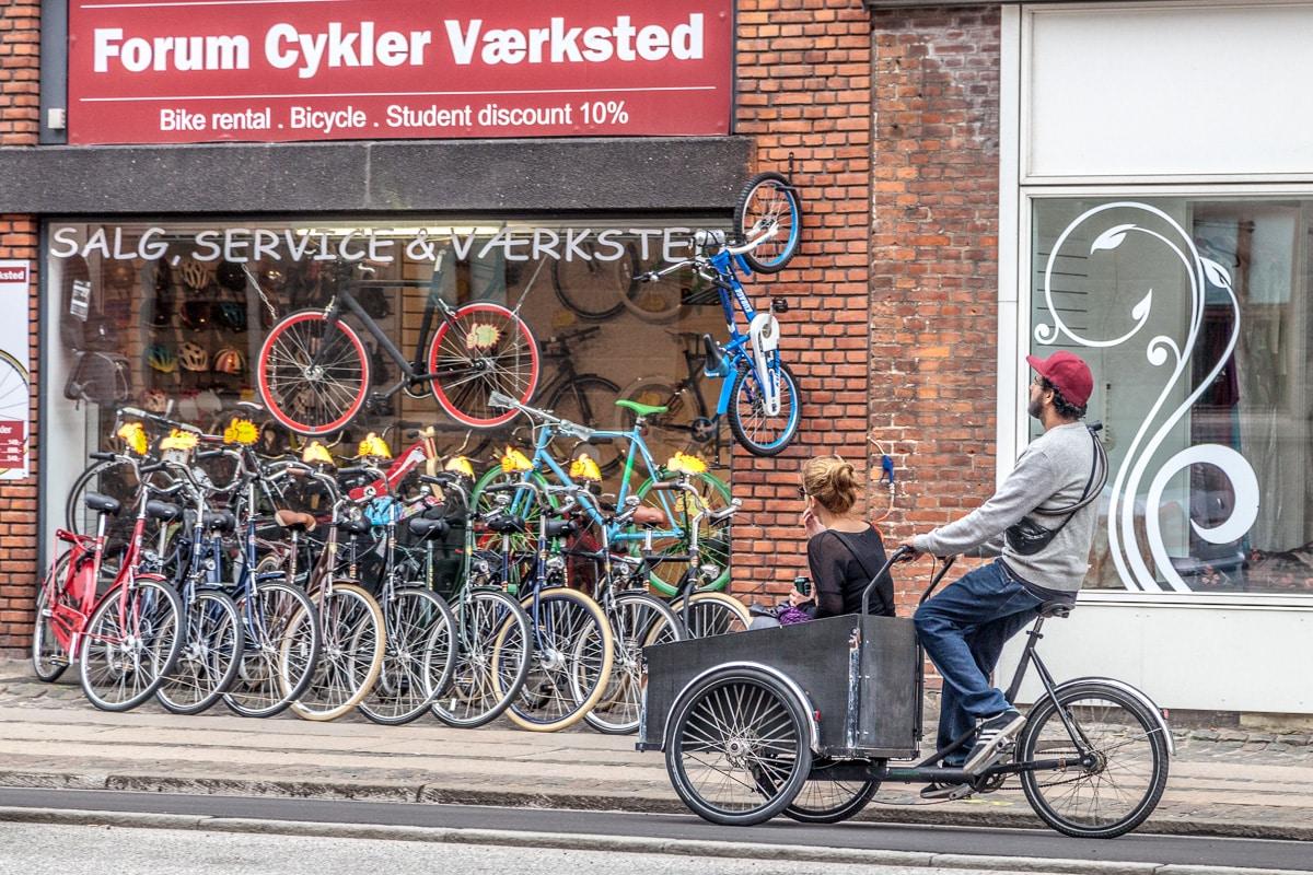 Bicycles in Copenhagen - WCF-9720.jpg