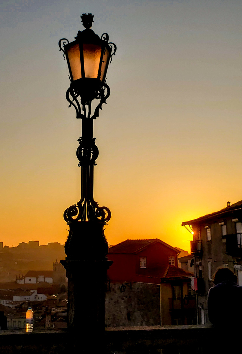 Sunset from the Terreiro da Sé (Patio/terrace of the Cathedral) - WCF-2.jpg