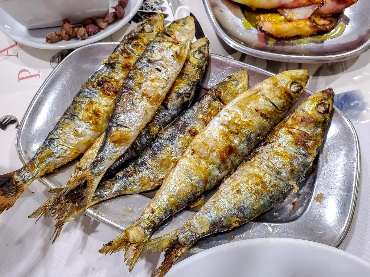 Grilled sardines - Sardinhas grelhada at Restaurante Pires, Rua de S. Pedro, Matosinhos - WCF-121601.jpg