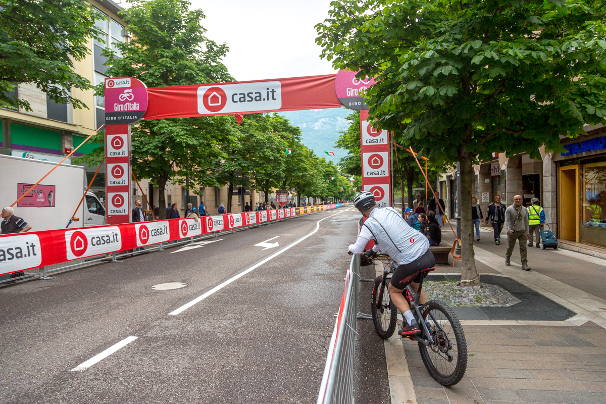 Waiting ... Giro d'Italia 2018 - WCF-7462.jpg