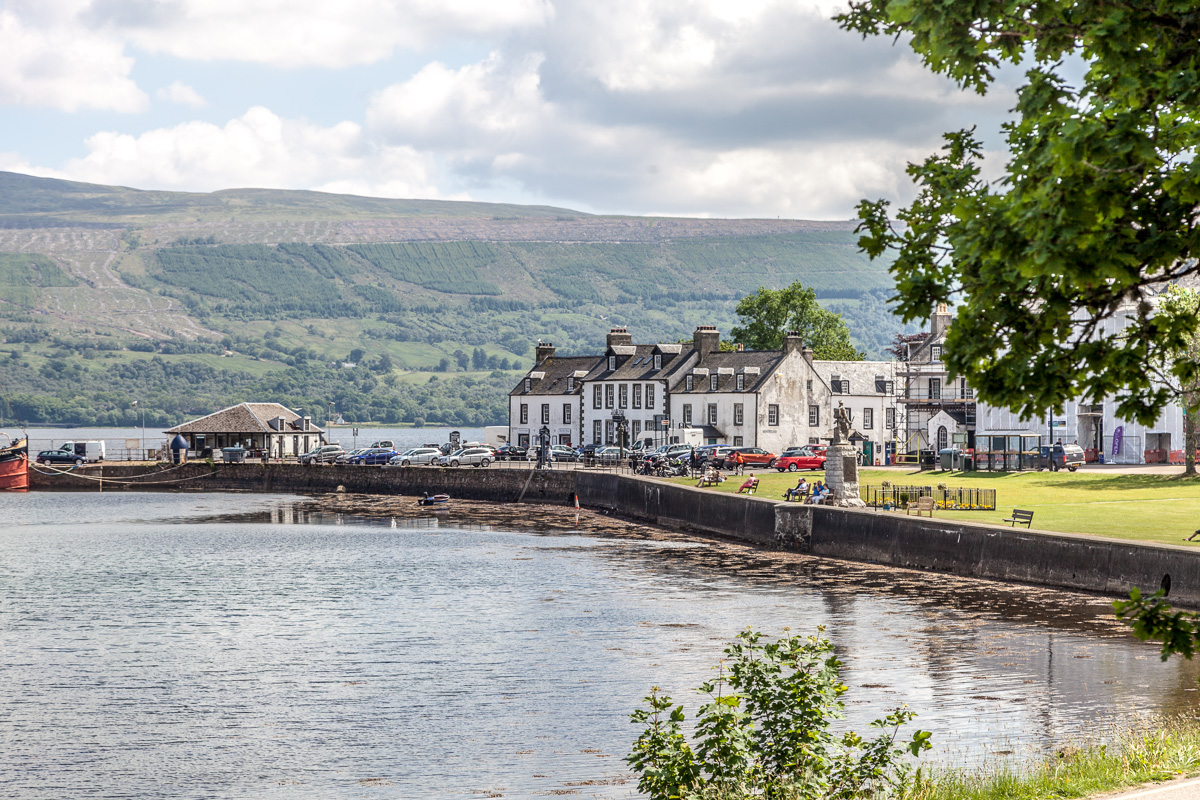 Inverarary on the shore of Loch Fyne - WCF-5776.jpg