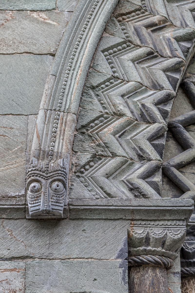 Architectural detail Nidarosdomen Cathedral, Trondheim - WCF-1301.jpg