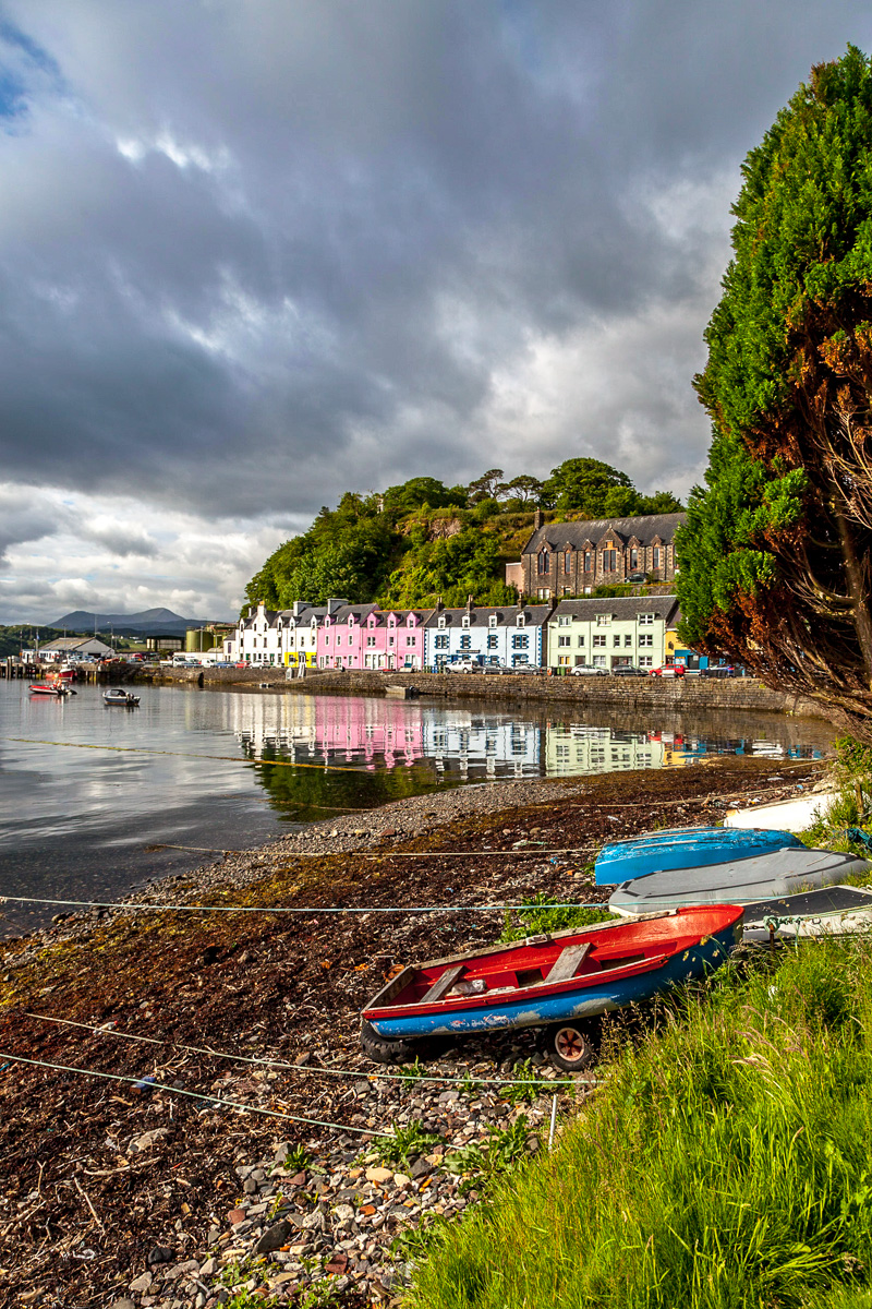 Colorful harbor of Portree - WCF-6804.jpg