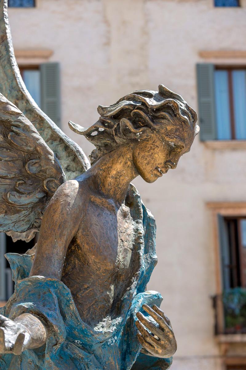 Statue of an angel in Verona. - WCF-7007.jpg