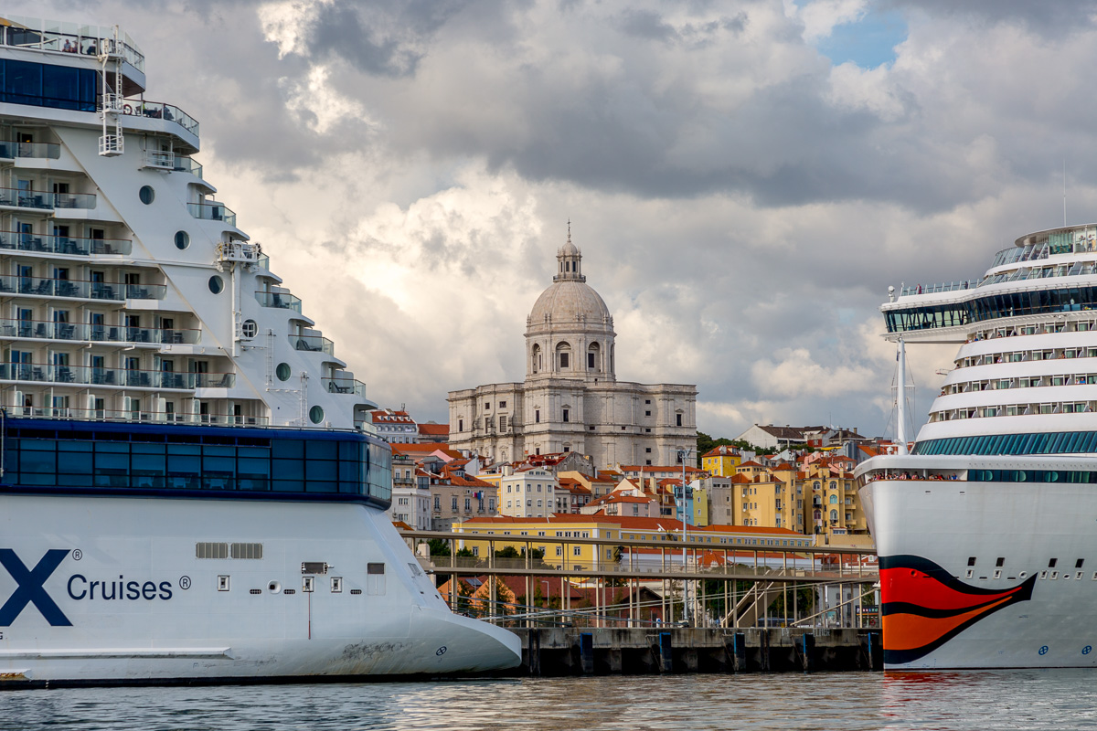 A view of the city blocked by massive cruise ships. - WCF-7364.jpg