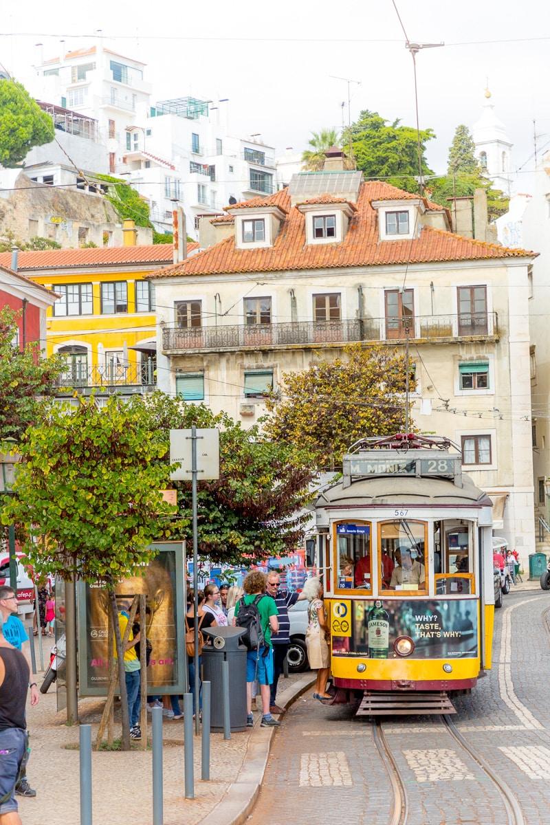 Tram on Carris route 28 (M. Moniz), #567 - WCF-4670.jpg