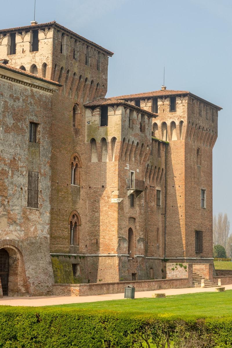 Castello di San Giorgio, built between 1395 and 1406 - WCF-2870.jpg