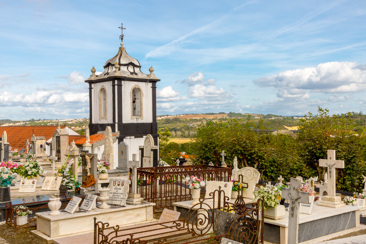 A relaxing spot in Óbidos for reflection. - WCF-6632.jpg