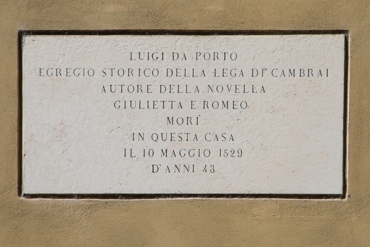 Plaque commerating birthplace of Luigi Da Porta - WCF-3549.jpg