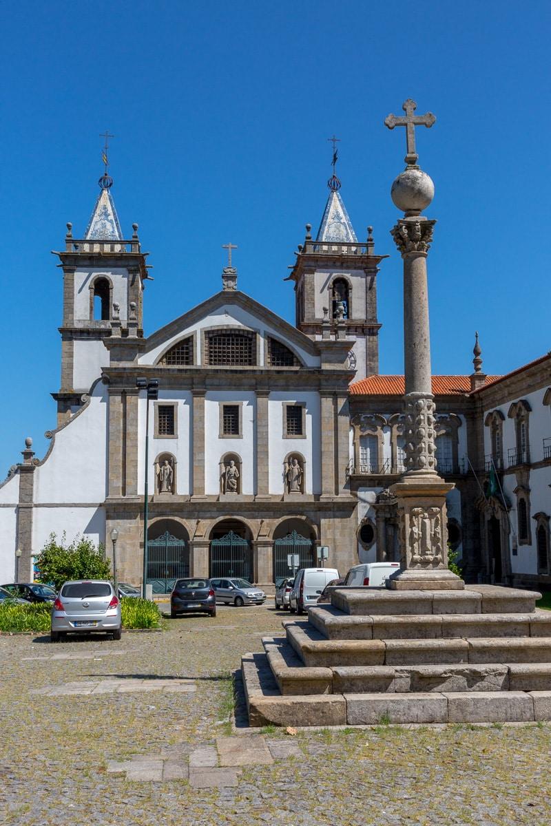 Igreja Matriz de Santo Tirso and the Mosteiro de São Bento. - WCF-0954.jpg