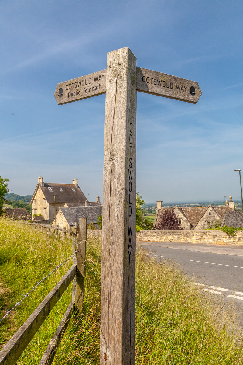 Cotswold Way footpath sign - WCF-3487.jpg