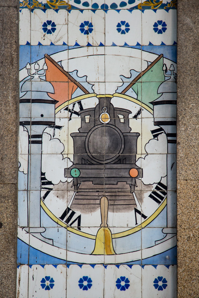Azulejos in the São Bento Railway Station. - WCF-8865.jpg