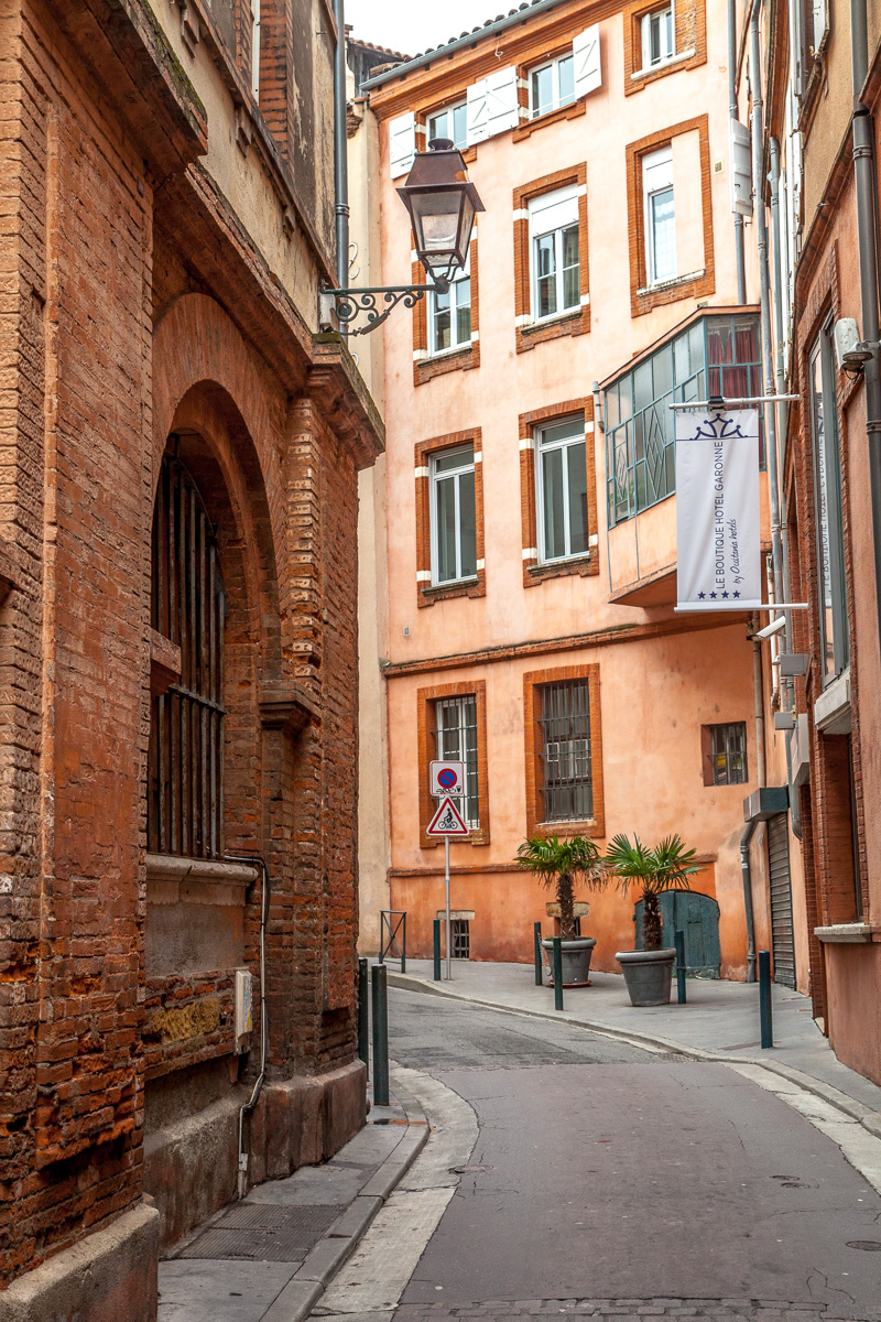 Sights whilst wandering the streets of Toulouse - WCF-7128.jpg