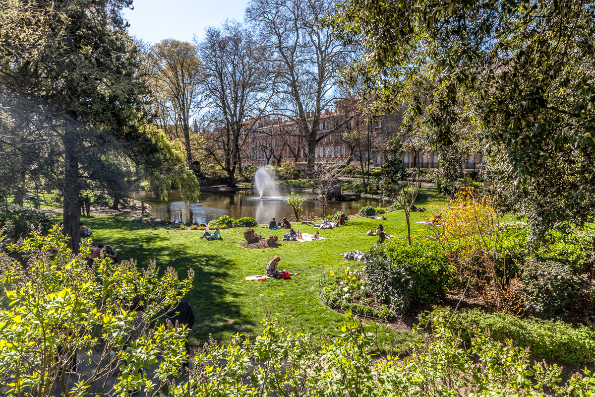 Renoir-esque Springtime scene - WCF-7300.jpg
