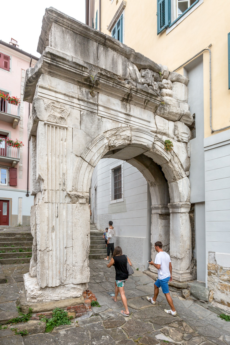 Ancient Roman arch said to have been built in 33 BC.